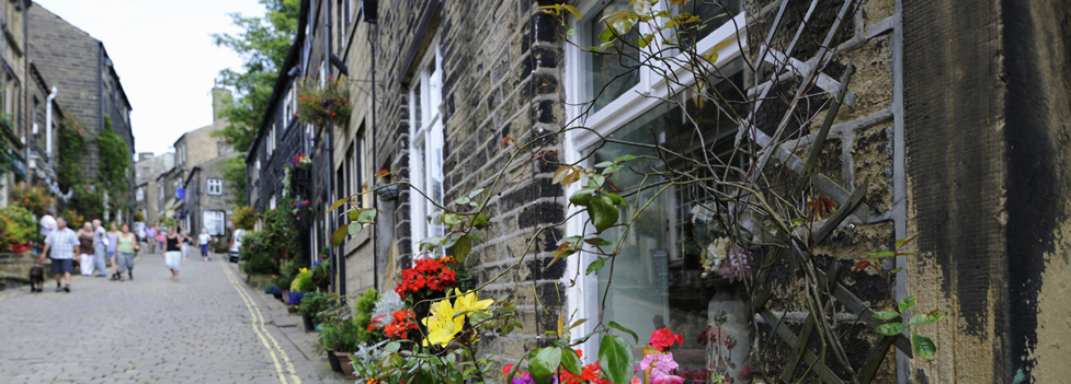 House-lined Cobbletone street - Haworth