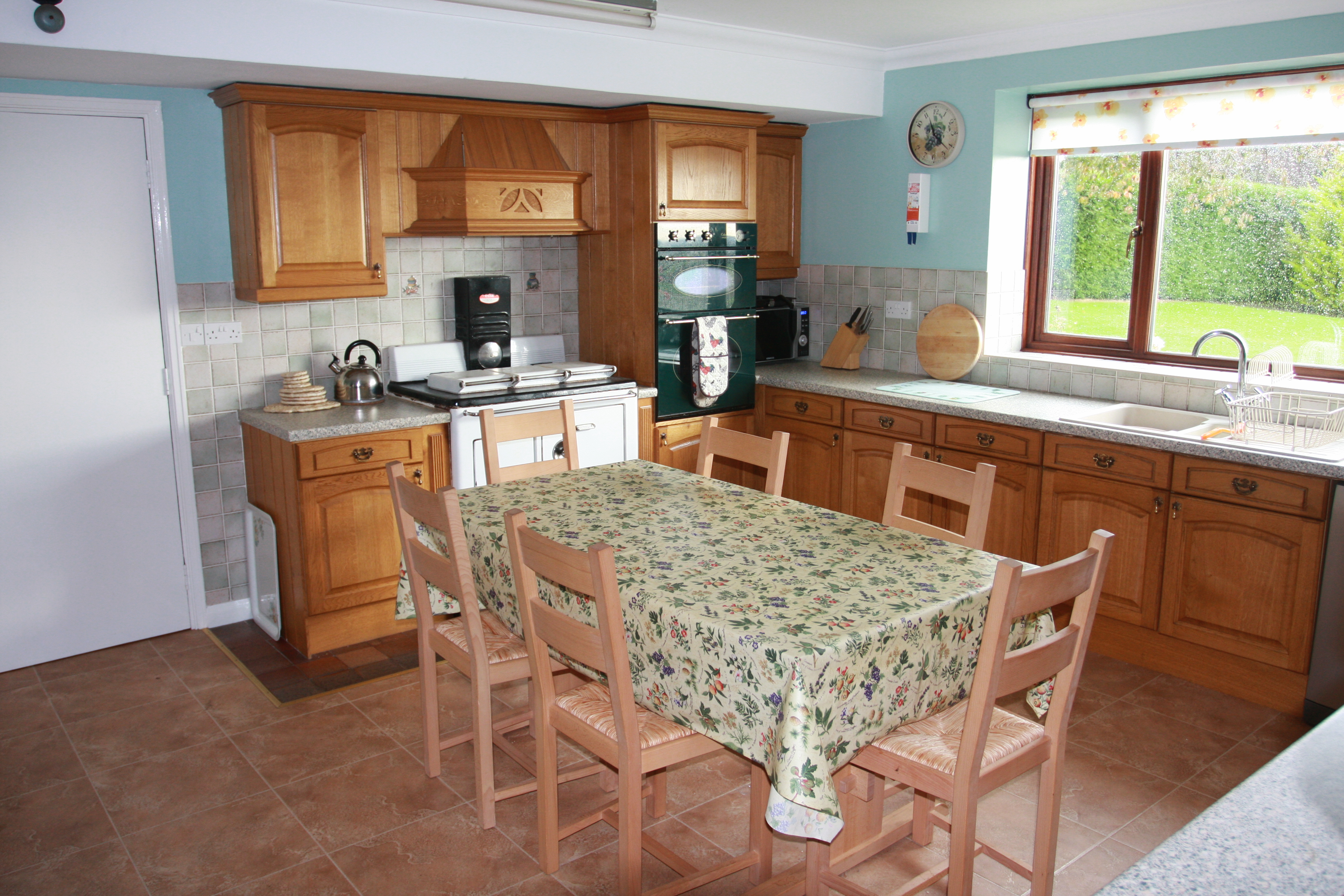Ewelands House - 6 bedrooms - sleeps 12